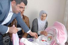 Yeni doğan kızına 'evet' adını taktı altını kaptı