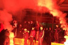 Fenerbahçeli taraftarlardan şok protesto