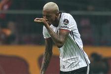 Beşiktaş derbide gol attı BJK TV coştu