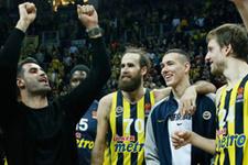 Galatasaraylı taraftarlardan Volkan Demirel'e cevap