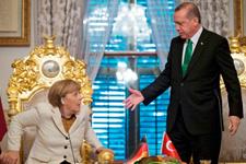 Alman basını çıldırdı: Merkel Erdoğan'a karşı işe yaramıyor