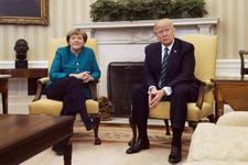 Merkel'in zor anları Trump tweet atmak zorunda kaldı!