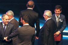 Aziz Yıldırım Belözoğlu'nu görünce espriyi patlattı