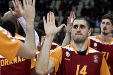 Galatasaray Kazan önünde ilk peşinde