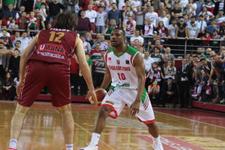 Karşıyaka çeyrek finalde ilk maçı kazandı