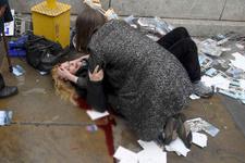 Polis Londra saldırganı için yardım istedi