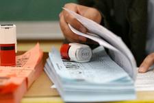 Referandum anket sonuçları kritik oran yüzde 10'a düştü