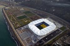 Trabzonspor yeni stadında dolu tribünlere oynuyor