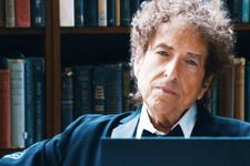 Bob Dylan yılan hikayesine dönen Nobel'ini sonunda alacak