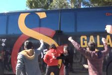 Galatasaray'a havalimanında taraftardan tepki