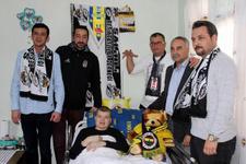 Yatağa bağlı Fenerbahçeli gence Beşiktaşlılar sahip çıktı