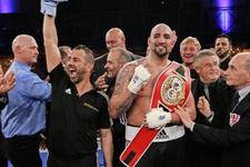 Türk boksör Erkan Teper şampiyonluk maçına çıkıyor