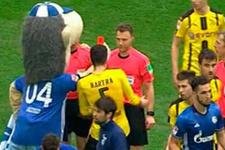 Schalke maskotundan hakeme kırmızı kart!