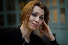 Elif Şafak, BBC'de 'Hayır' oyu istedi