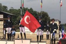 Şampiyonluk şansı tanımayanlara bayrak yaptıran Türk