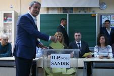 Hulusi Akar, halk oylaması için oyunu kullandı