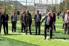 TFF'den Suriyeliler için futbol sahası