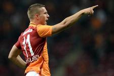 Galatasaray'da derbi öncesi Podolski müjdesi!