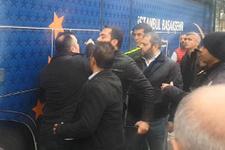 Emre Belözoğlu ve Başakşehirli futbolcular gazetecilere saldırdı!