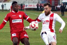 Samsunspor Balıkesirspor'u yıktı