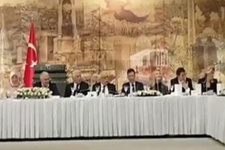Yıldız Tilbe Başbakanlık'ta türkü söyledi böyle eşlik ettiler