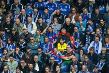 Cesur Dortmund taraftarını bulan Bartra sözünü tuttu