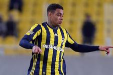 Fenerbahçeli yıldız Van Der Wiel'a büyük şok