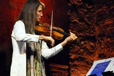 Keman virtüözü Mullova Aya İrini'de konser verdi
