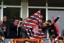 TFF Başkanı Demirören bayrak salladı!