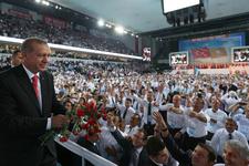 Erdoğan salonda bu şarkıyla karşılandı büyük coşku