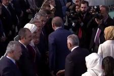 AK Parti kongresine damga vuran Arınç detayı