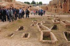Mardin'de tarihi mezarlık ziyarete açıldı