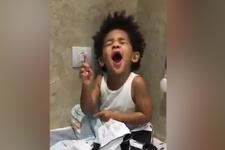 Atiba'nın oğlu Noah, şampiyonluğu böyle kutladı