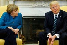 Donald Trump'tan Merkel'e jet yanıt