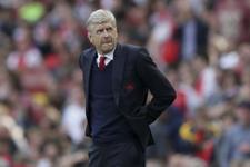 Arsenal Arsene Wenger'den vazgeçmedi
