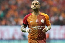 Sneijder ayrılık iddialarına son noktayı koydu