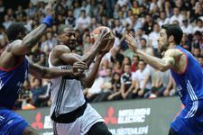Beşiktaş'tan Anadolu Efes'e darbe