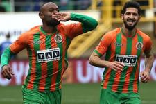 Galatasaray'ın yeni kralı Vagner Love!