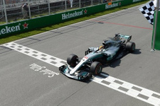 Kanada'da kazanan Lewis Hamilton