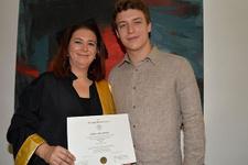 Anne oğulun inanılmaz başarısı beraber mezun oldular