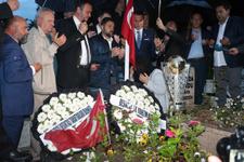 Beşiktaş şampiyonluk kupasını şehidin mezarına götürdü