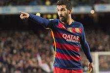 Barcelona Arda Turan'ın ismini sildi