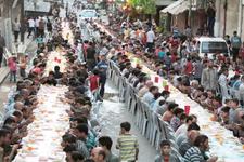 Şam'da kuşatma altında 2 bin kişilik iftar