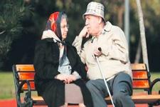 Temmuzda memur emeklilerin ve memurlara fark ödemesi
