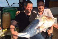 Oltayla 15 kiloluk balık yakaladı