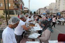 Büyükşehir iftar sofrası Altınova ve Meydan Kavağı'nda kuruldu