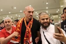 Galatasaray Maicon'a imzayı attırdı! İşte alacağı ücret