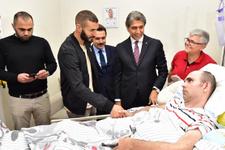 Fatih Belediyesi iftar programına Benzema katıldı
