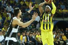 Fenerbahçe Beşiktaş'ı devirdi