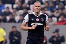 Beşiktaş ile yollarını resmen ayırdı